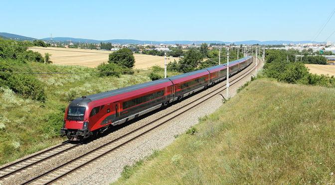 Do Mnichova častěji, do Vídně levněji, do Berlína rychleji a do Benátek railjetem. Nové jízdní řády na západ a na jih.
